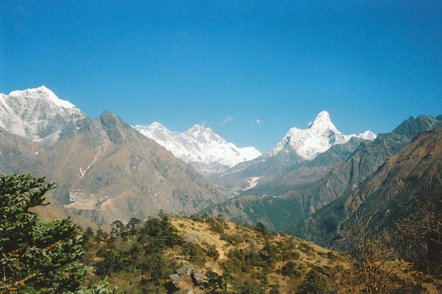 View towards Tengboche with Mount Everest in the background