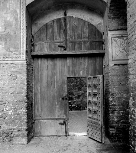 Door in the courtyard of the People's palace in San Gimignano,Italy