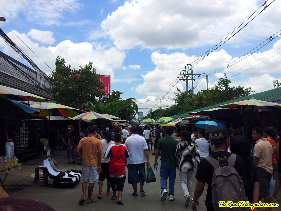 the weekend market essay To sum up, a day at the weekend market is both a day of shopping and a unique experience for your senses it is a kind of  descriptive essay sample.