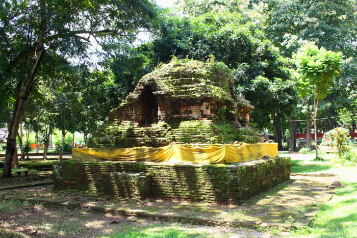 The remains of an old chedi at Wat Chedi Luang in Chiang Saen, Thailand