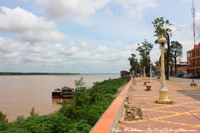 Kratie Cambodia  City pictures : Backpacker's Travel Guide to Kratie, Cambodia