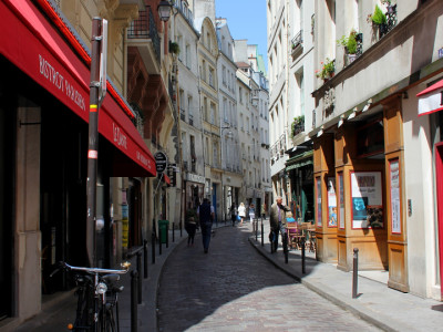 A narrow street in the Latin Quarter of Paris