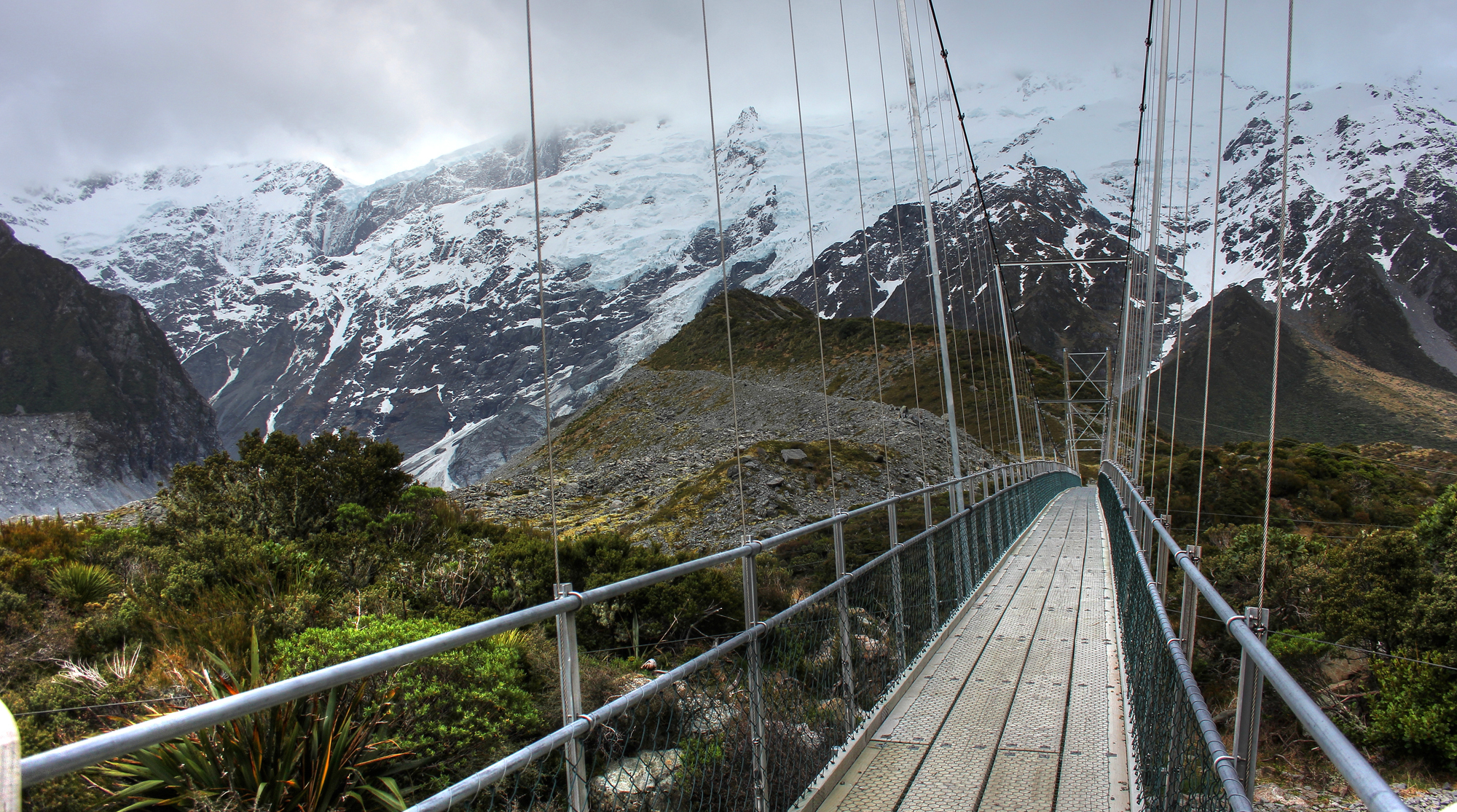 Hiking the Hooker Valley Track in New Zealand