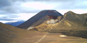 The Tongariro Crossing – Trekking on Volcanoes in New Zealand